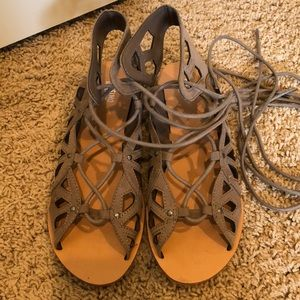 Missimo 7.5 Lace up sandals